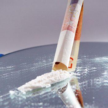 Почему употребляют наркотики